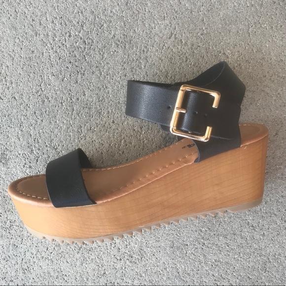 d1d5de269 Soda Ayla Platform Black Sandals - Black 🆒